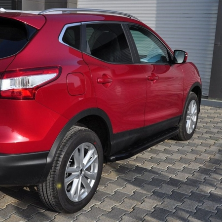 01655953 Stopnie boczne, czarne - Nissan Qashqai 2014+ (długość: 171 cm)