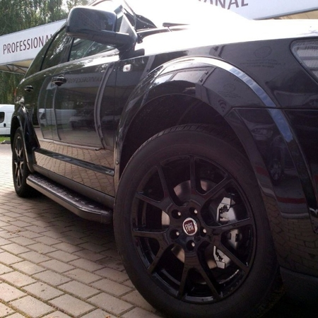 01655986 Stopnie boczne, czarne - Volkswagen Touareg 2010- (długość: 193 cm)