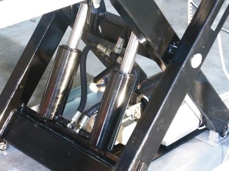 3109769 Stół podnośny elektryczny HW1001 (wymiary platformy: 820x1300mm, udźwig: 1000 kg)