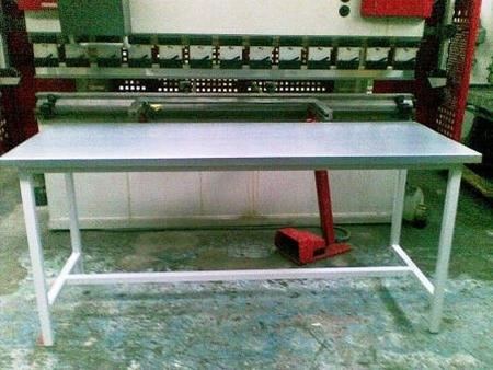 77156899 Stół warsztatowy (wymiary: 2000x750x900 mm)