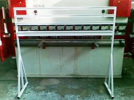 77157415 Stojak na pojemniki warsztatowe (wymiary: 1600x1300x600 mm)